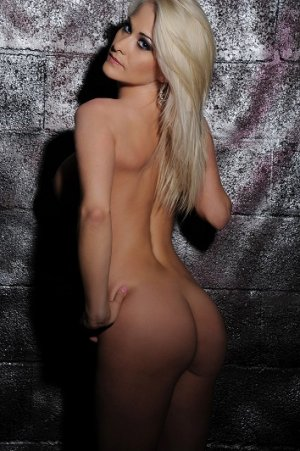 Marylyn live escort in Sarasota FL
