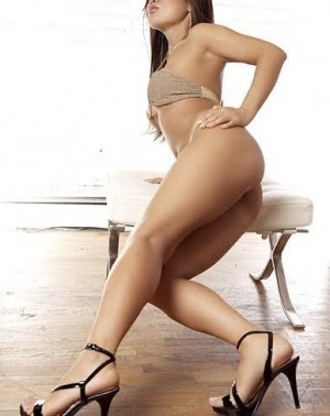 Henriane transexual escorts